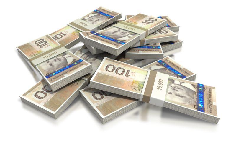 Clipart - Canadian Hundred Dollar Bill Pile