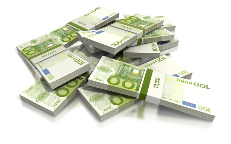 Clipart - Euro One Hundred Note Pile